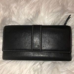 Coach Vintage Black Leather Wallet Good Condition
